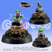 Fantasy Football Helmet with Frog - Maow Miniatures