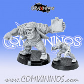Orcs / Goblins - Set of 2  Green Coaches Orc and Goblin - Mystery Studio